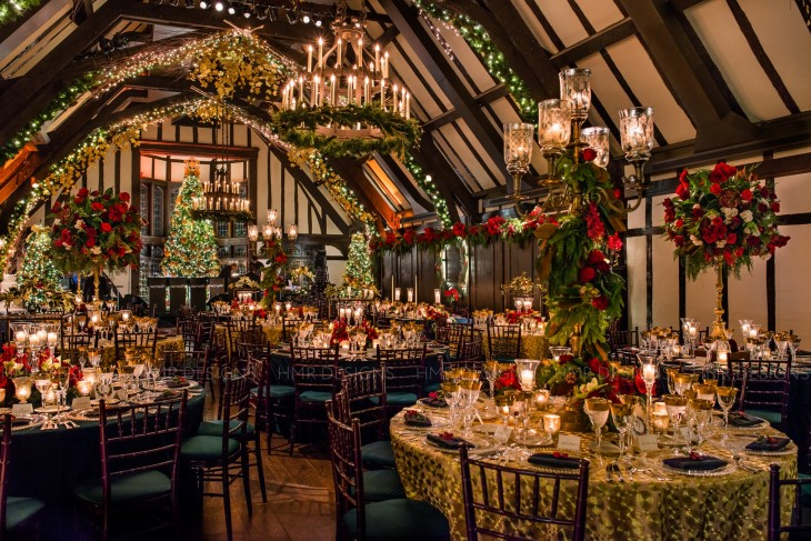 One of Amanda's favorite purchasing endeavors resulted in this highly custom, holiday-chic celebration. Kent Drake Photography.