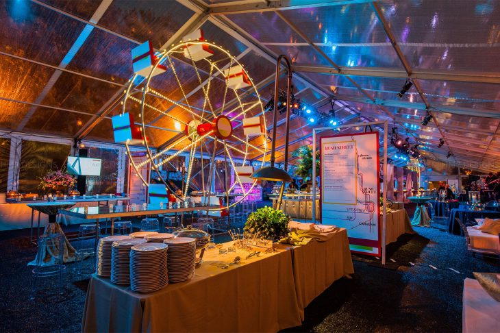 ferris-wheels-and-chicago-neighborhood-cuisine-for-a-corporate-event-featuring-hmr-designs-and-blue-plate-catering