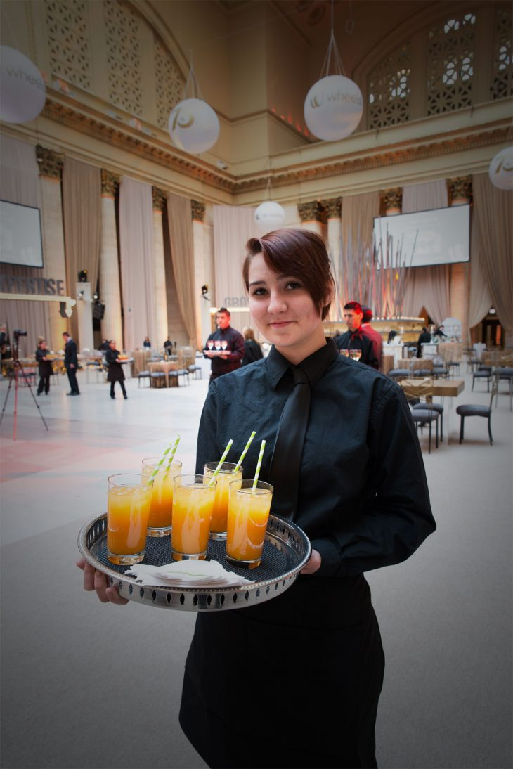 blue-plate-catering-at-a-corporate-event-at-union-station-chicago