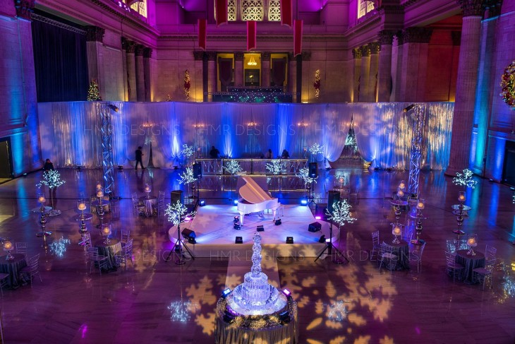 Winter-holiday-party-decor-at-union-station-chicago