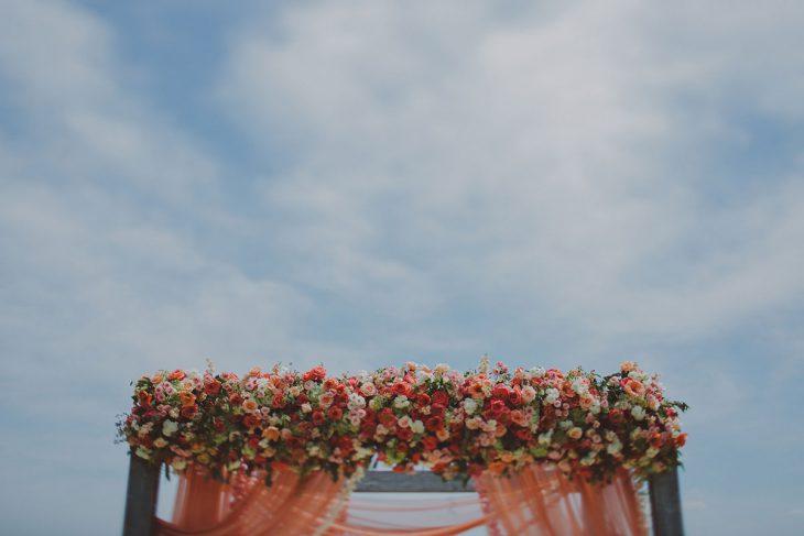 ChelliseMichaelPhotography-wedding-ceremony-outdoor-celebration-hmr-designs-estera-events