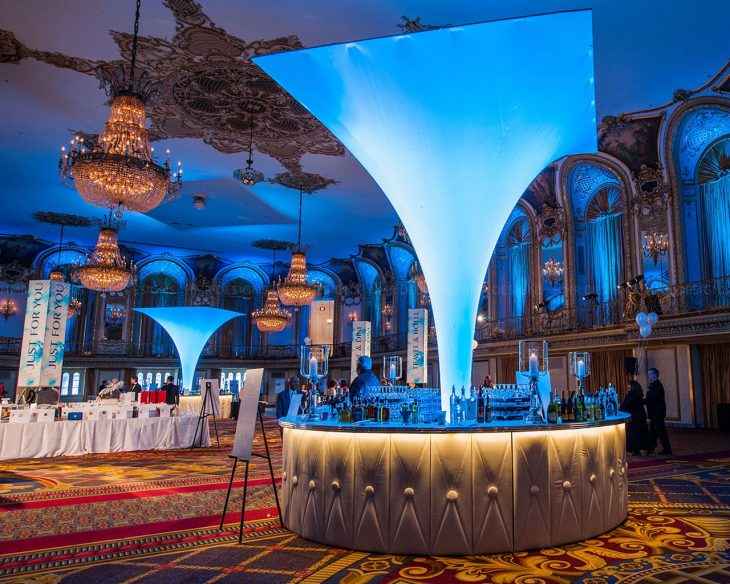 Cocktail-hour-decor-at-the-2016-ACS-Discovery-Ball