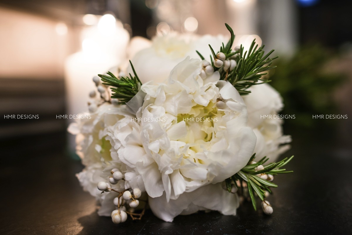 Gorgeous lush winter floral at the Ivy Room by HMR Designs