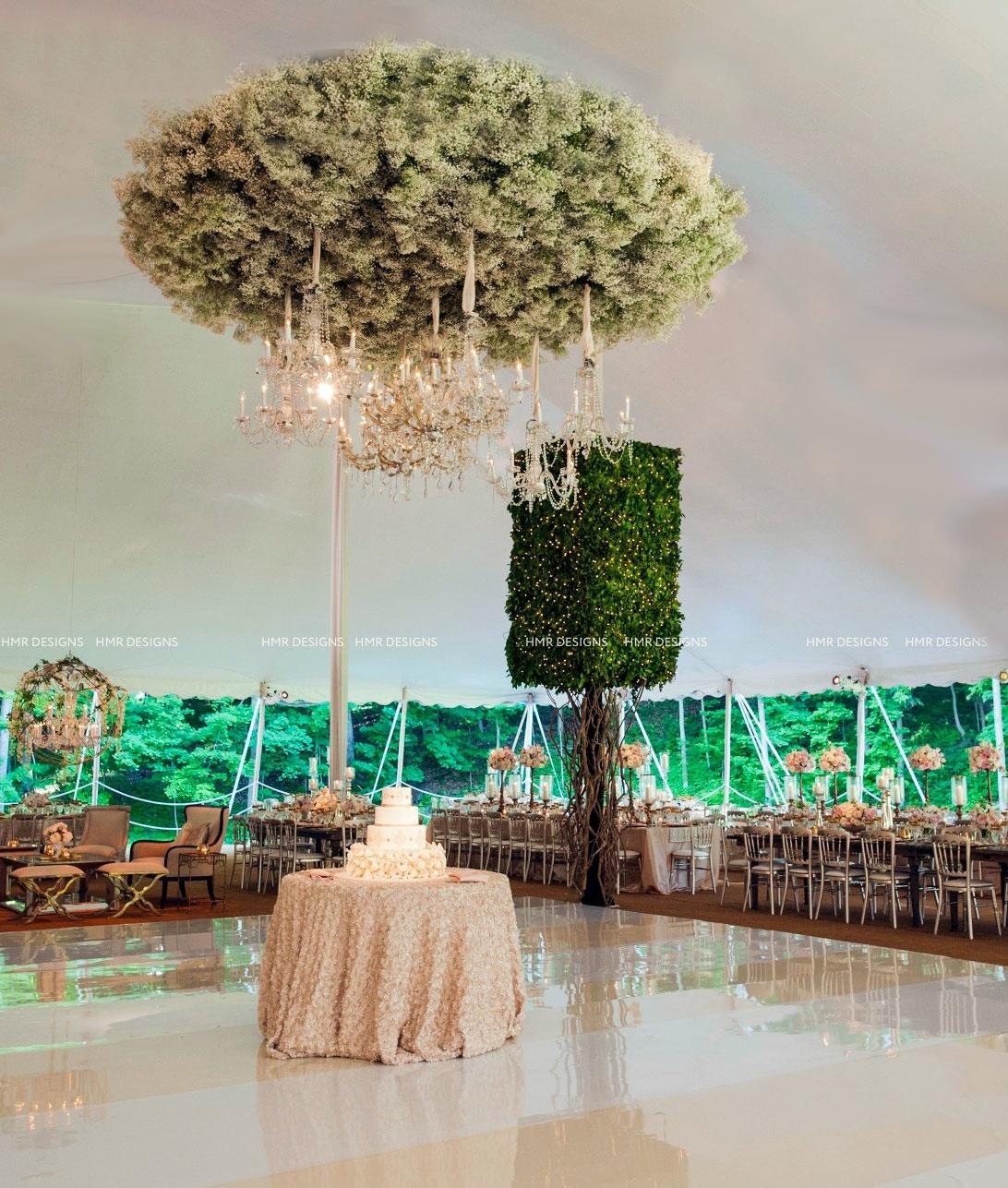Abundant bunches of Gypsophila create an elegant ceiling focal.
