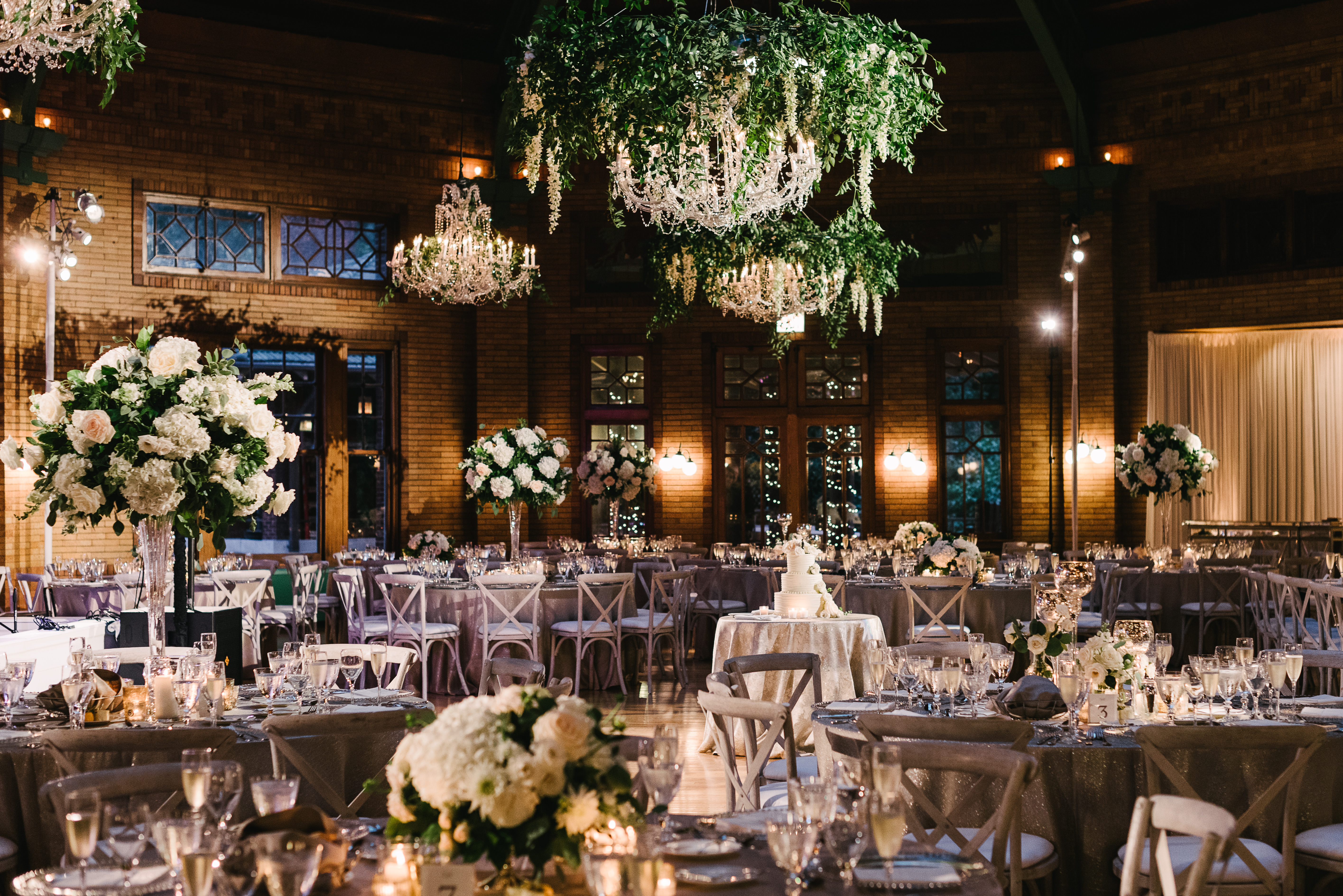 A recent wedding at Cafe Brauer designed by Natalie. Photo by: T&S Photography.