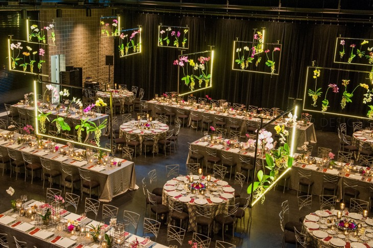 floral-hangs-from-the-ceiling-at-a-gala-in-Chicago-by-HMR-Designs
