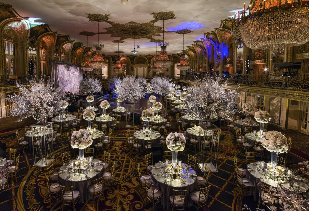 A stunning full room shot of the Lyric Opera's Diamond Ball designed by HMR Designs