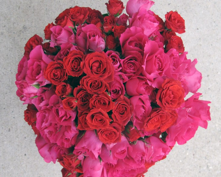 red-and-pink-spray-roses-hmr-designs