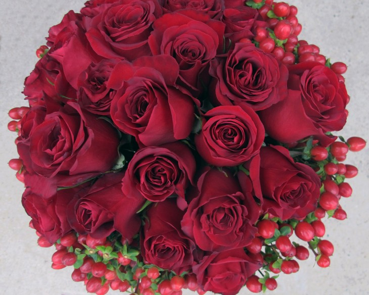 red-roses-and-berries-for-valentines-day-from-hmr-designs-chicago