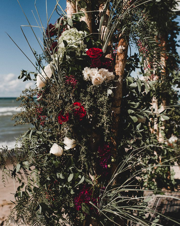 rustic-beach-ceremony-flowers-by-hmr-designs