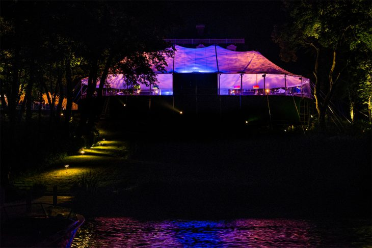 tented-wedding-on-the-lake-photographed-by-kent-drake-photography