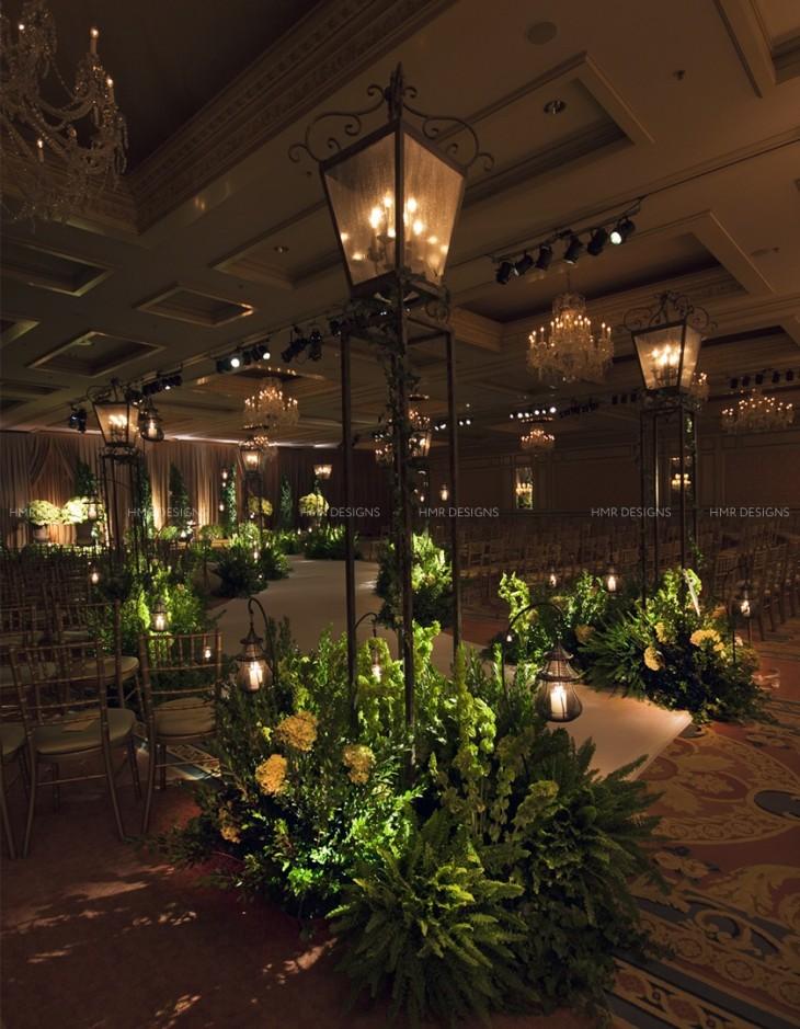 A garden path wedding aisle at Four Seasons Chicago.