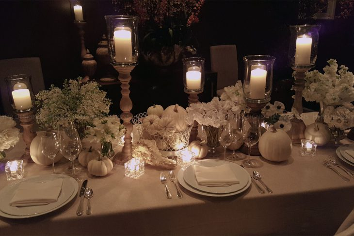 white-thanksgiving-table-by-hmr-designs-candlelight-night